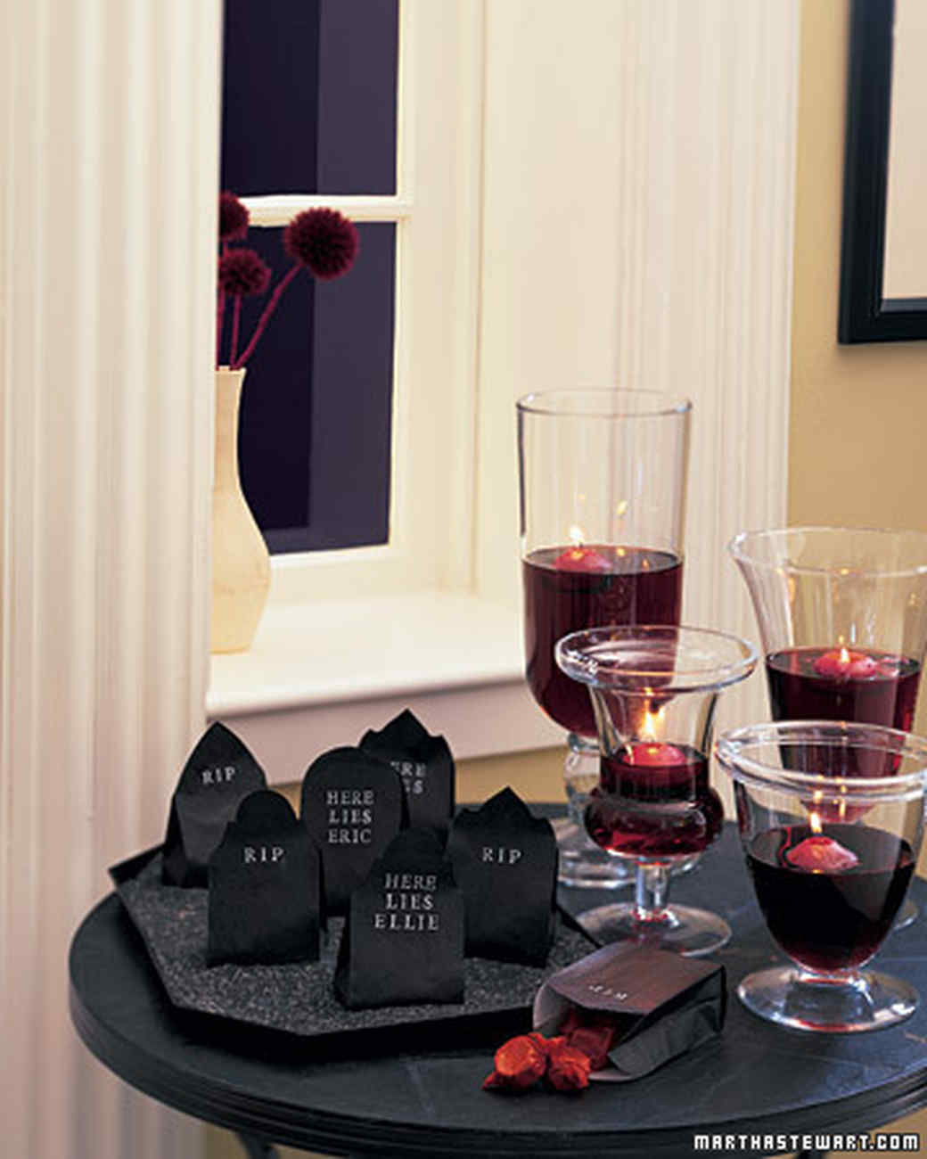 Gothic Decorating Ideas Halloween Centerpieces And Tabletop Ideas Martha Stewart