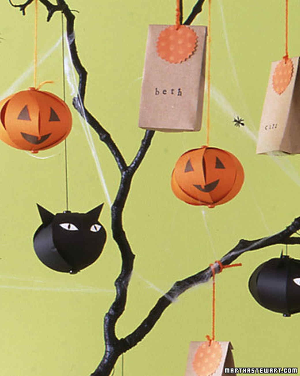 Bewitching Tree Decoration