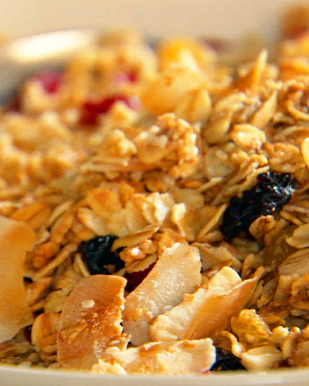 golden_granola_1.jpg