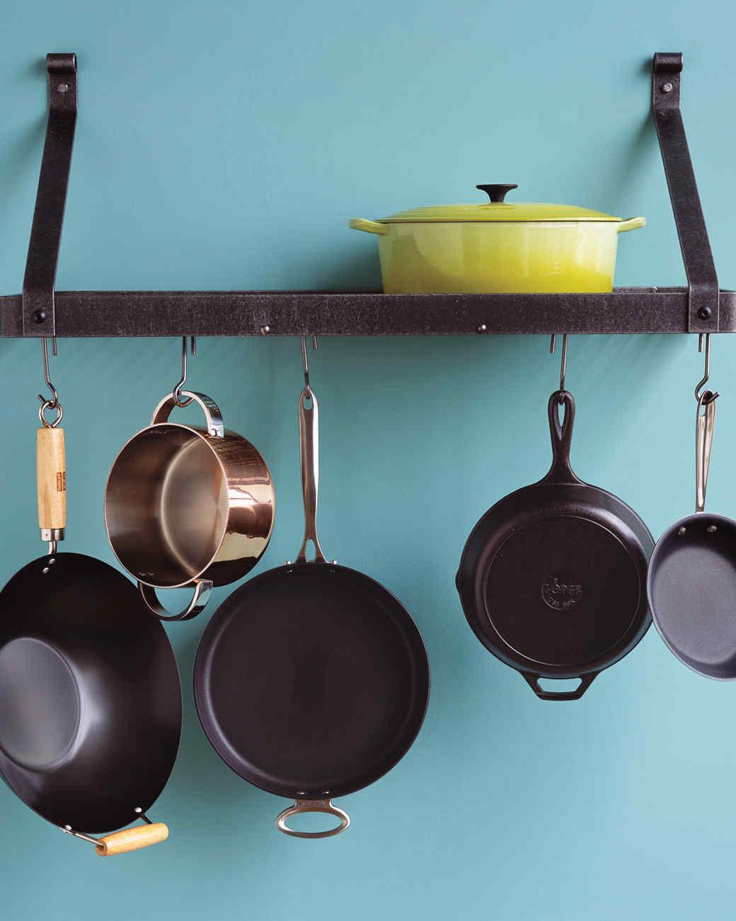 mb_0907_cookware.jpg
