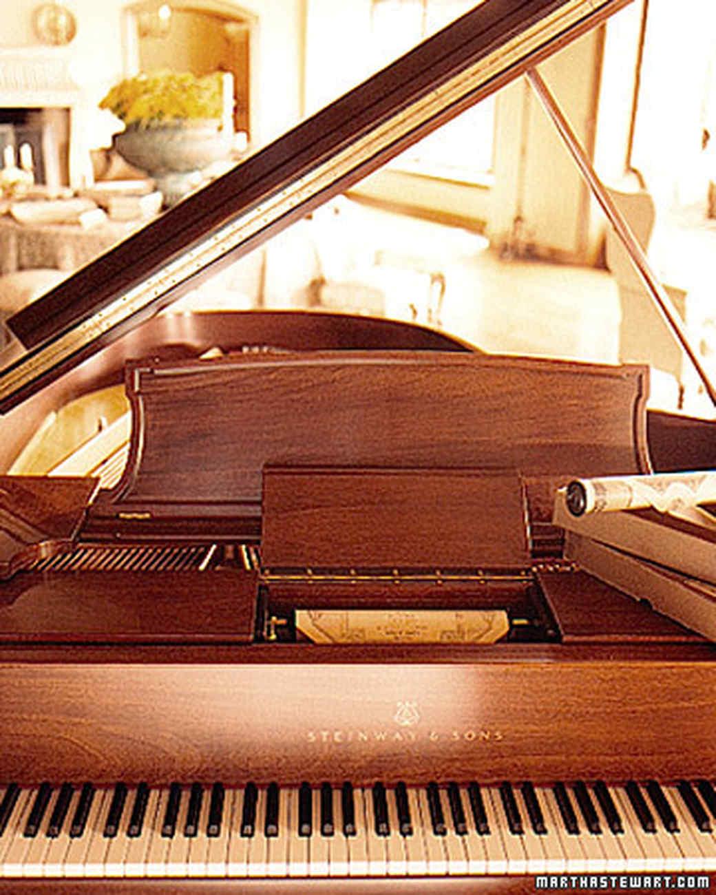 a98361_0900_piano.jpg