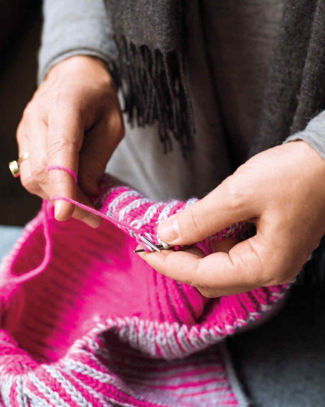 knitting-md110821.jpg