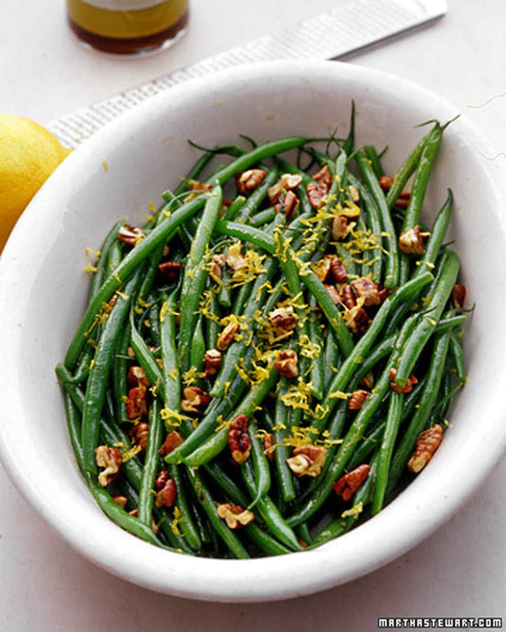 Haricots Verts with Pecans and Lemon