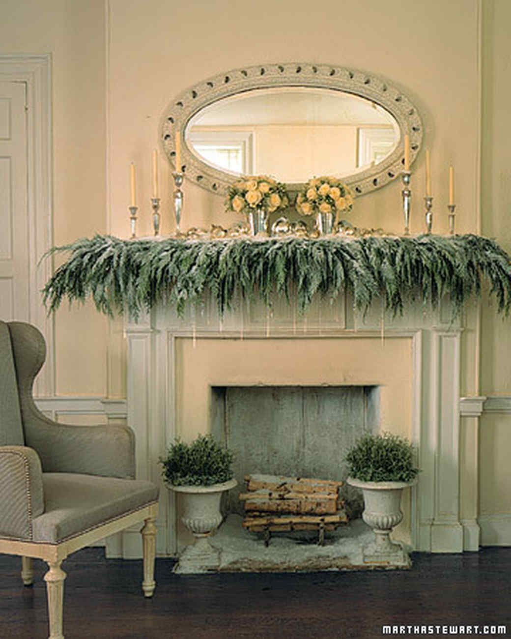 Christmas decorating ideas martha stewart for Unique mantel decor