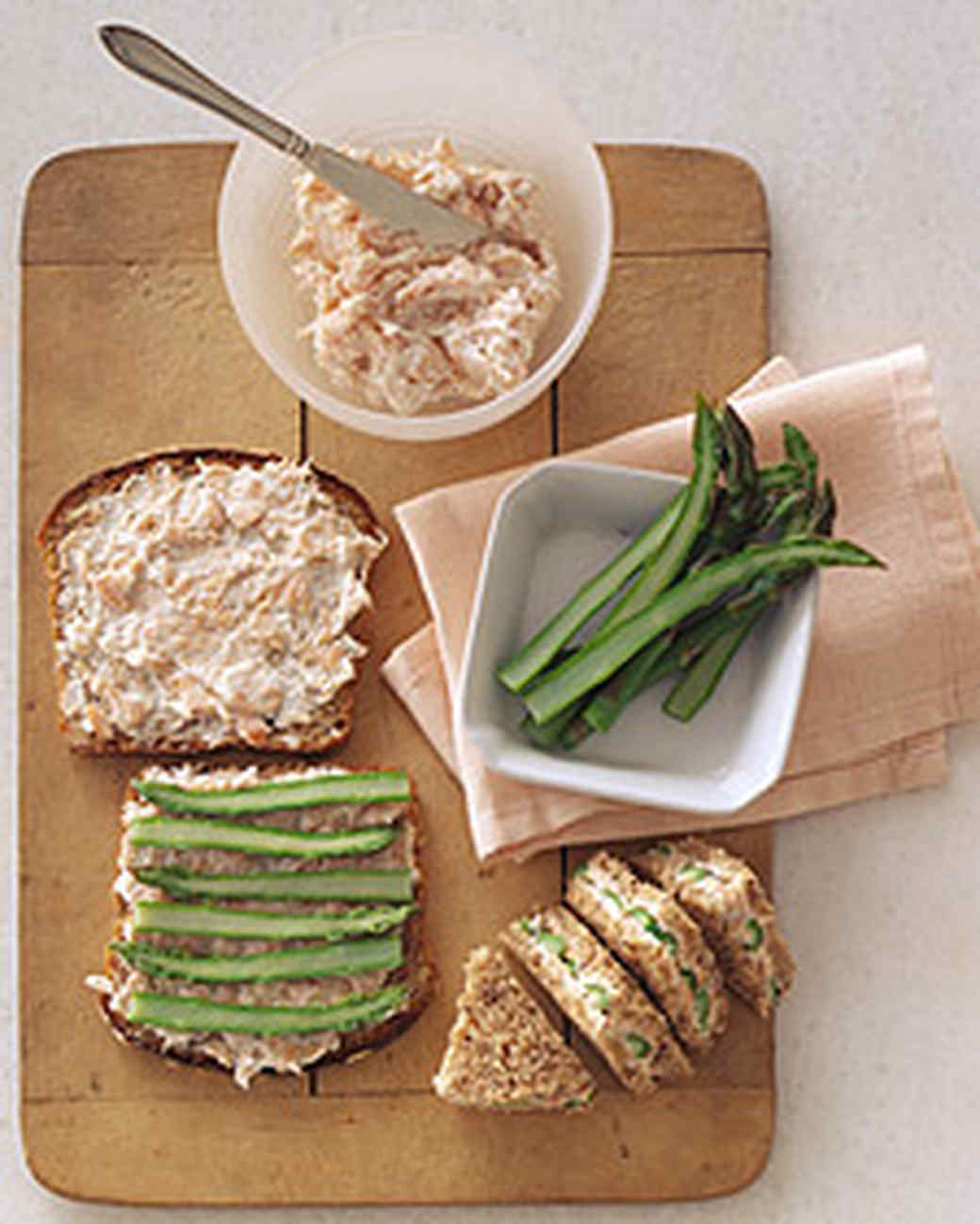 Tea Sandwiches with Cream Cheese and Asparagus