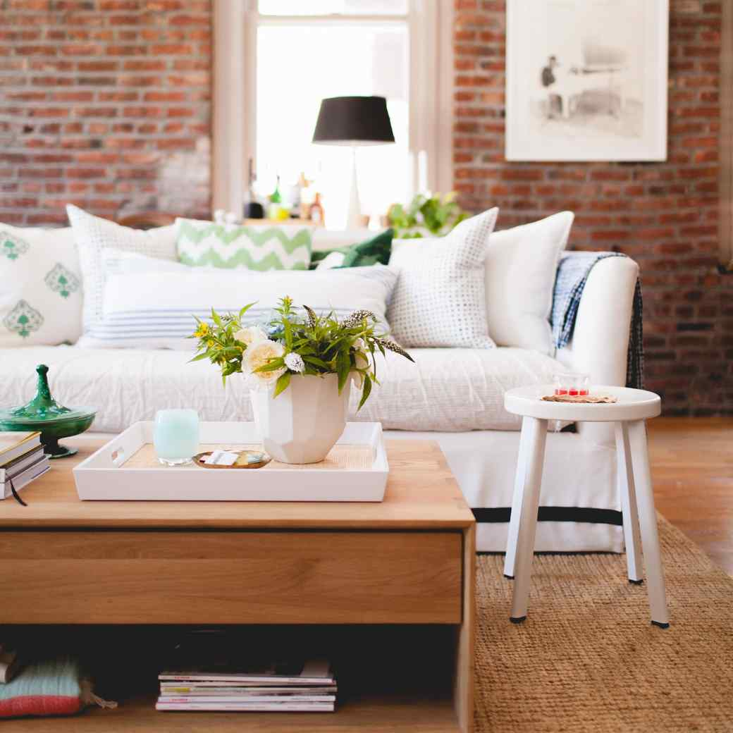 Arranging a Living Room You Can't Wait to Come Home To