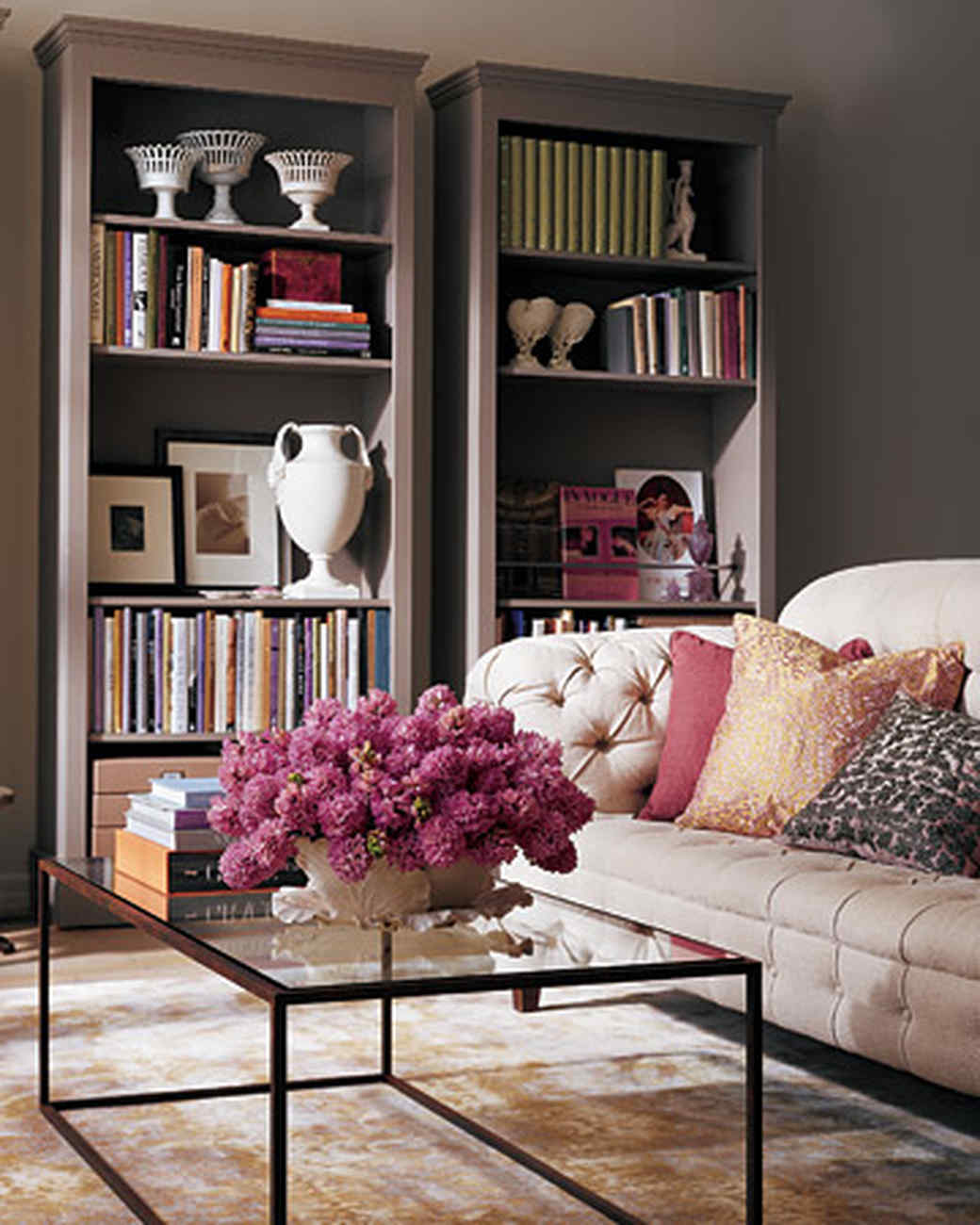 Living Room With Bookshelf: Shelf Life: Bookcase Solutions