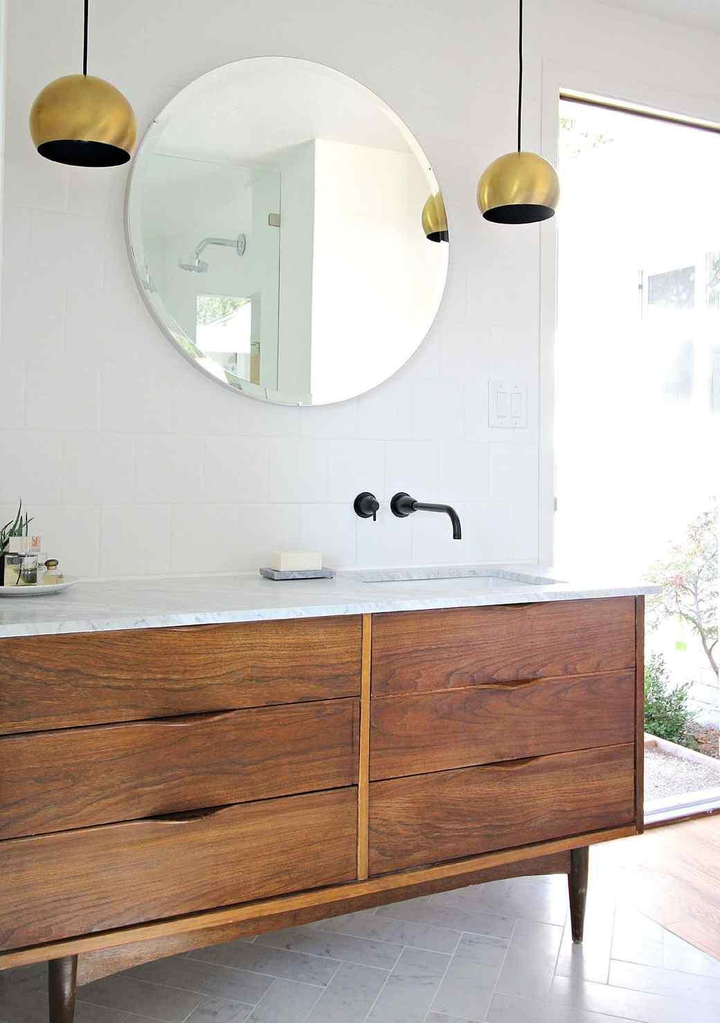 Bathroom-renovation.jpg (skyword:191432)