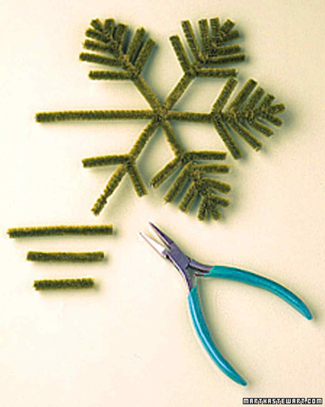 Pipe Cleaner Decorations: Christmas Tree