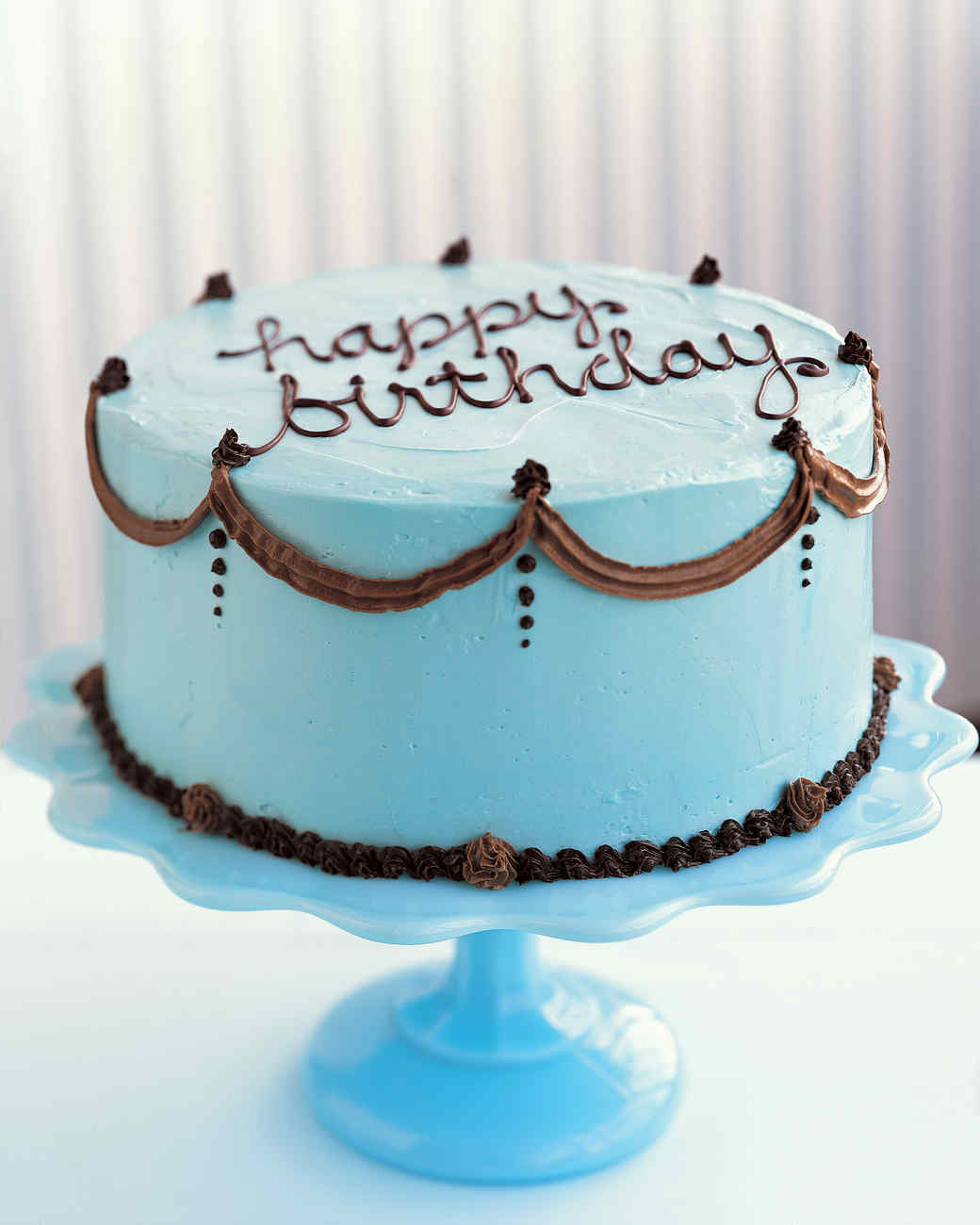 Cake Decorating Birthday Cakes : How to Decorate a Birthday Cake Martha Stewart