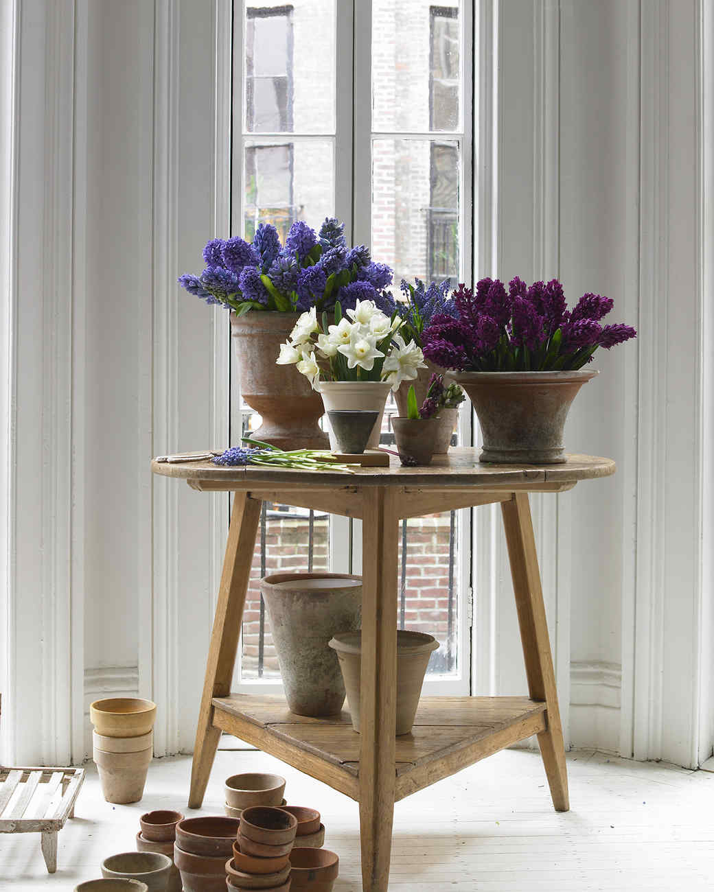Spring flower arrangements martha stewart for Martha stewart floral arrangements