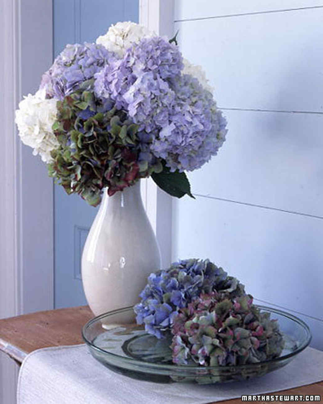 hydrangea arrangements  martha stewart, Natural flower