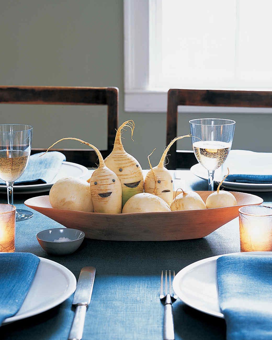 Halloween Centerpieces And Tabletop Ideas Martha Stewart - Martha stewart dining room table