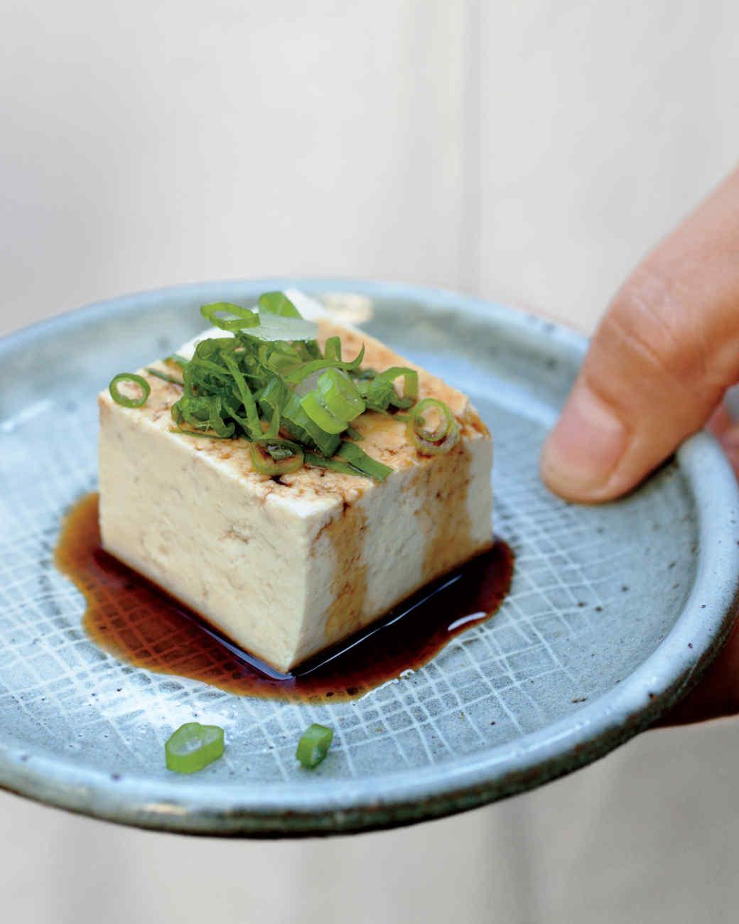 tofu-bite-mld108147.jpg