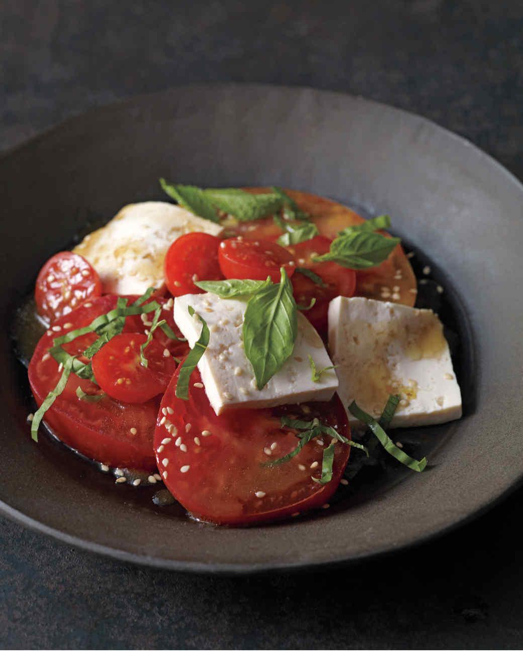 tomato-016-md108876.jpg