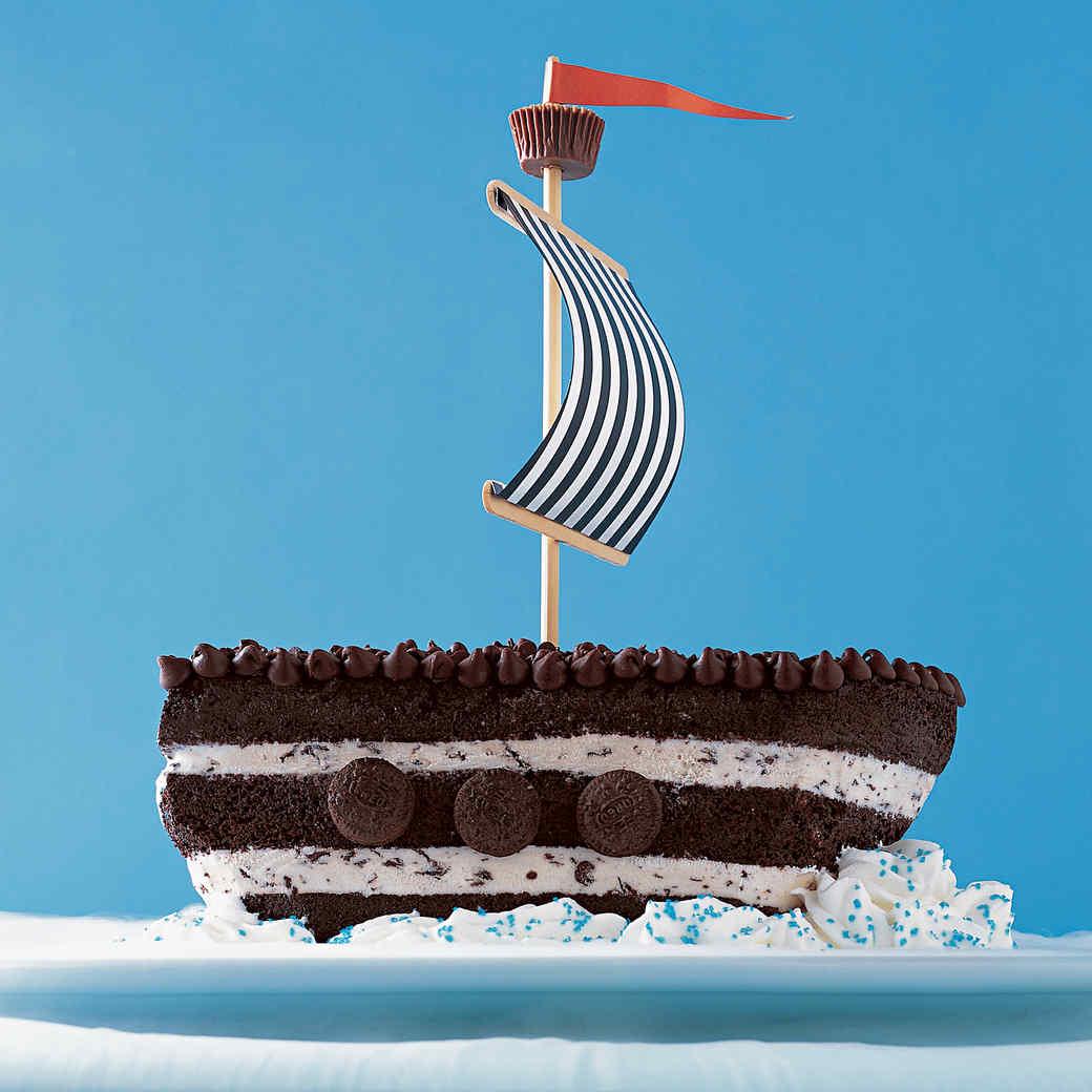 How to Make a Chocolate Chip Ship Ice Cream Cake