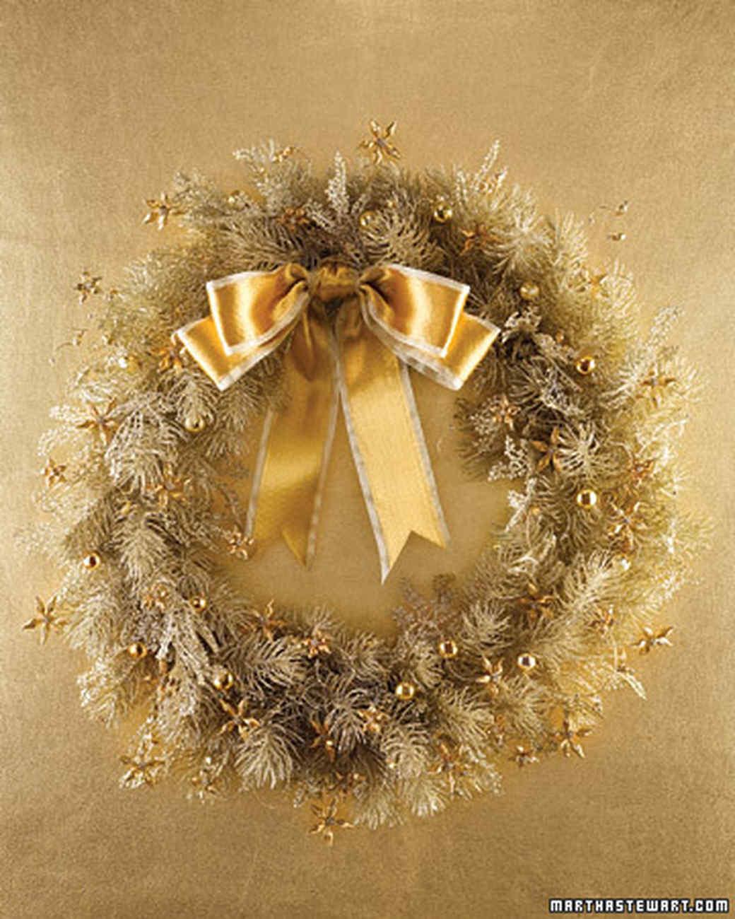 la103347_1207_wreath.jpg