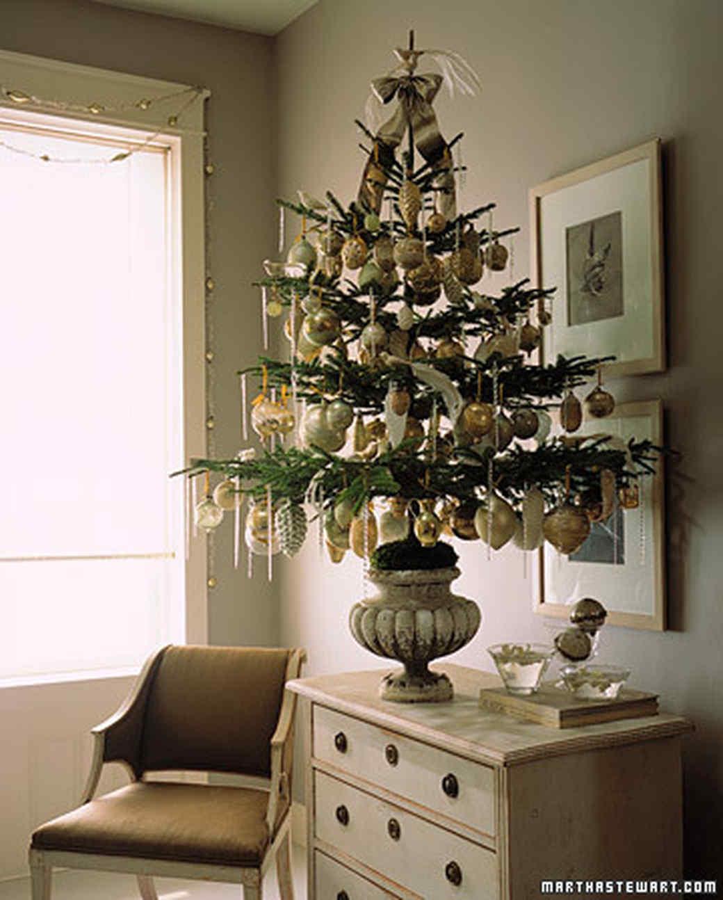 Decorate A Tree How To Martha Stewart