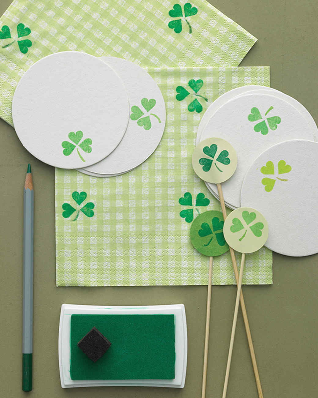 St patrick 39 s day crafts and decorations martha stewart for St patricks day decorations for the home