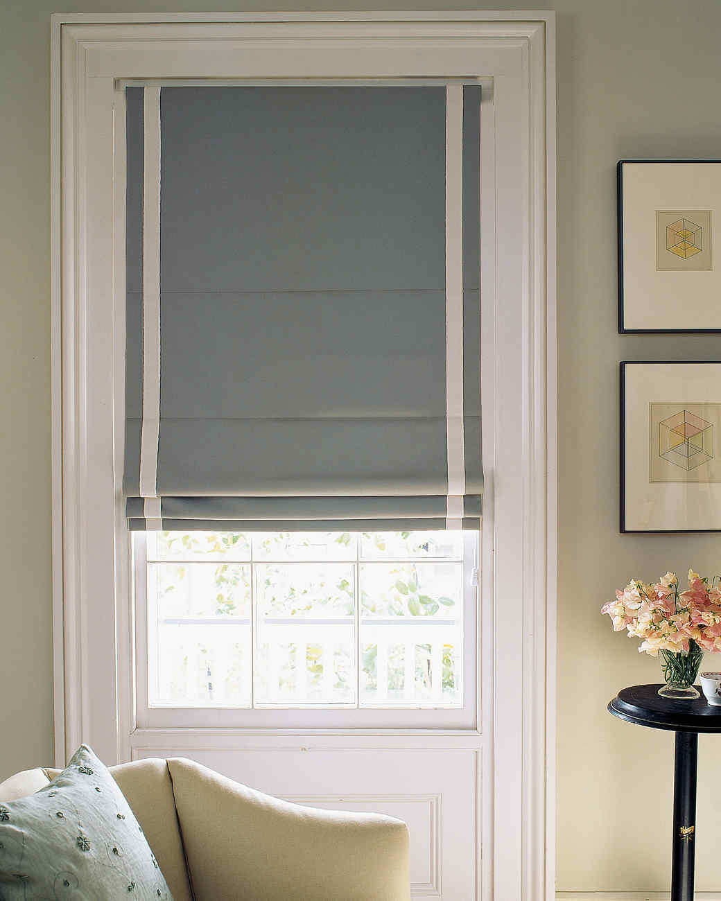 11 modern window treatments for the elegant but unstuffy for Modern blinds for windows