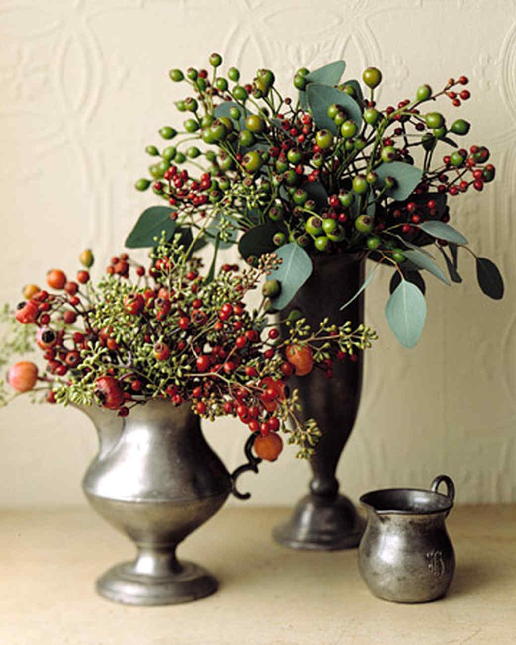 Rose hip arrangement martha stewart for Martha stewart floral arrangements
