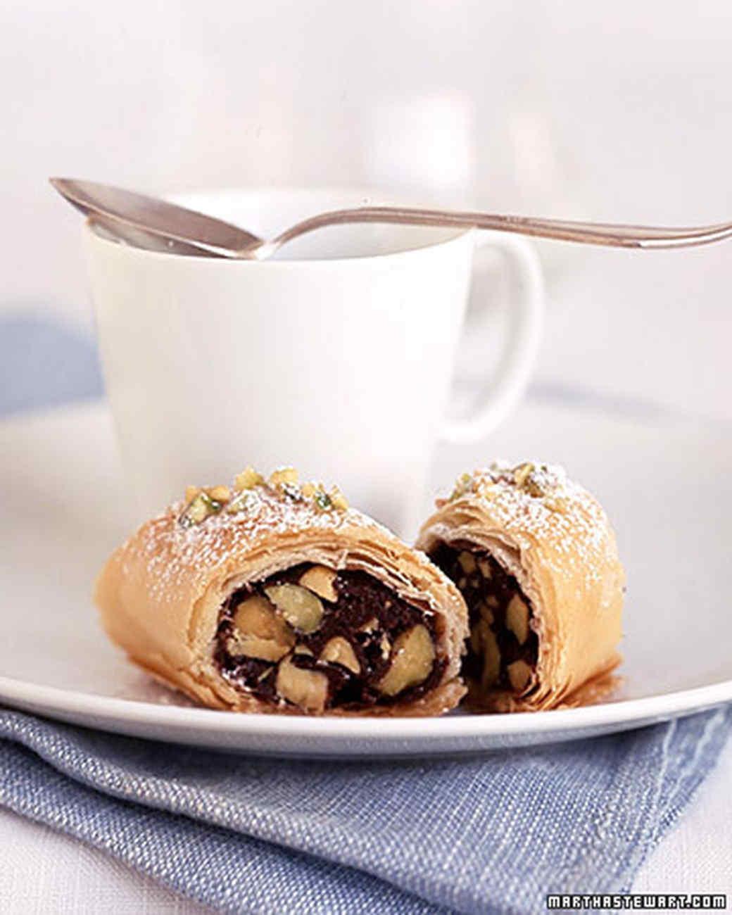 a100693_apr04_dessert.jpg