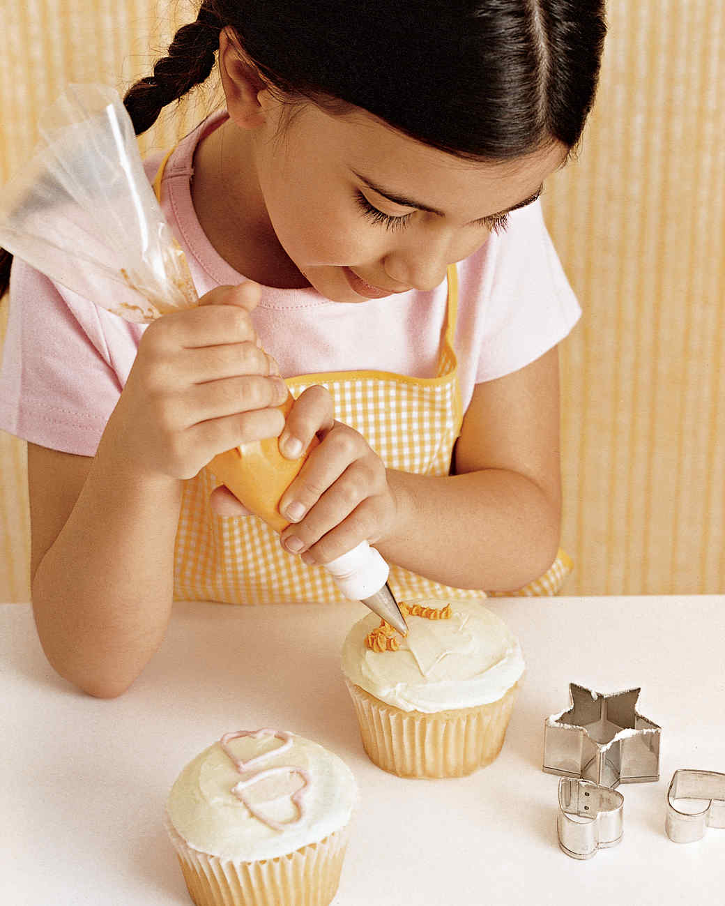 Martha Stewart Cake Decorating Icing : Piping Basics Martha Stewart