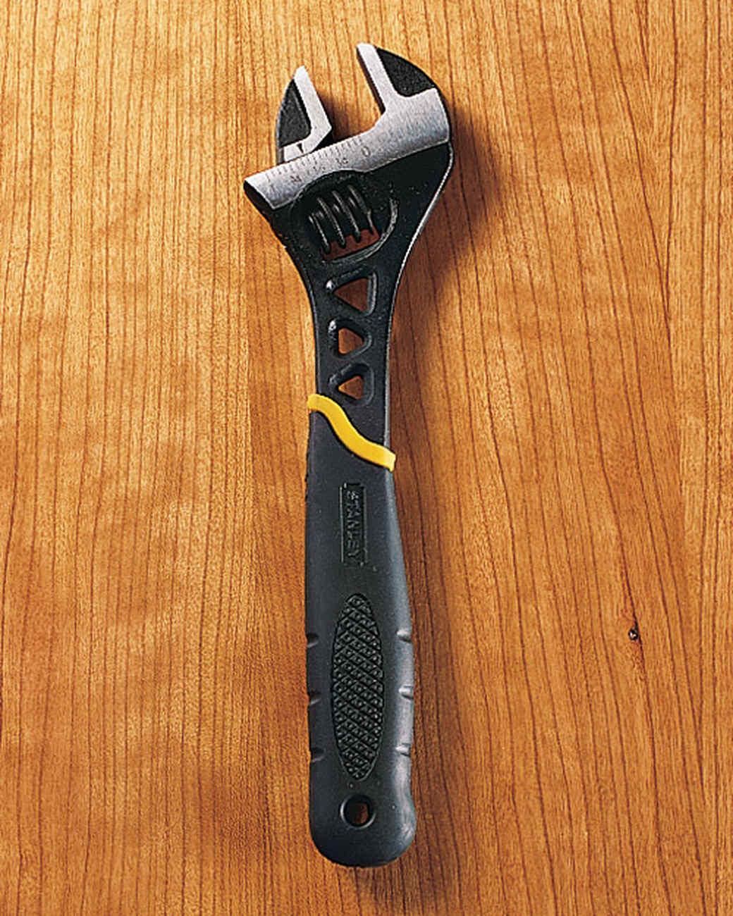 mla101243_1005_wrench.jpg