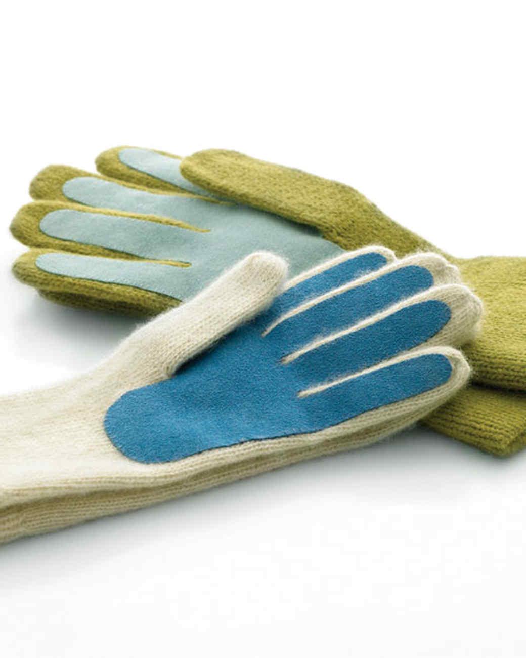 mla103022_0108_gloves.jpg