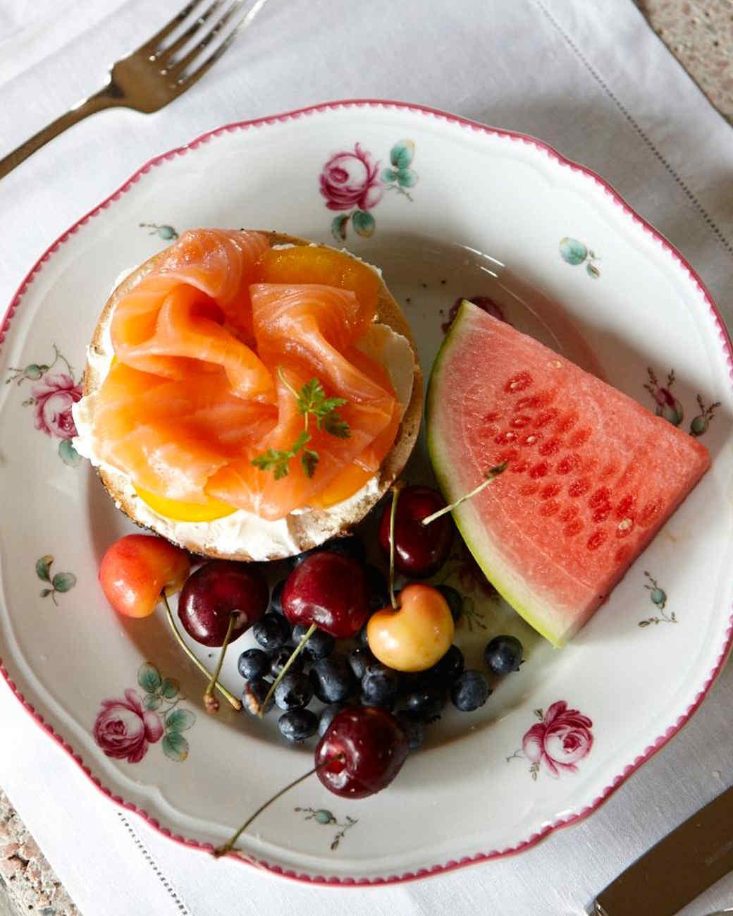 salmon-bagel-ld107757.jpg