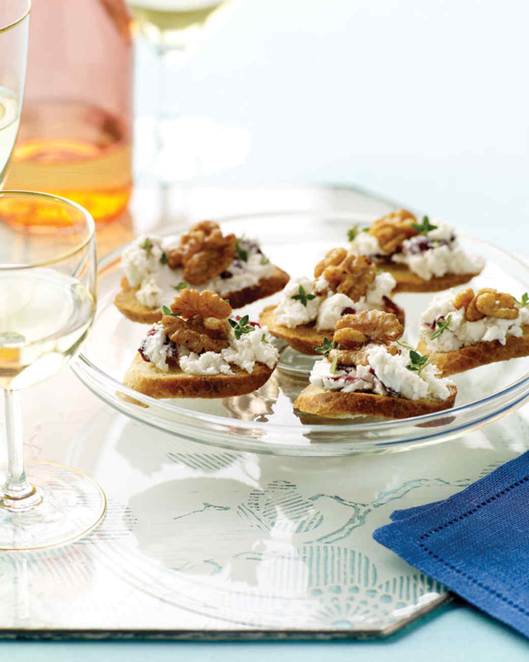 Goat cheese cranberry and walnut canapes for Cheese canape ideas