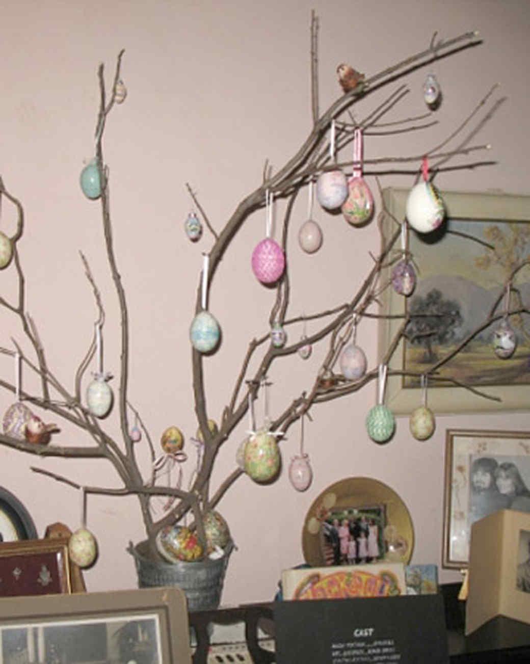 ew_march08_easter_tree.jpg