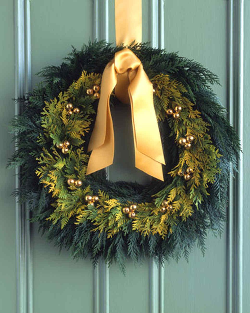 golden cedar wreath martha stewart. Black Bedroom Furniture Sets. Home Design Ideas