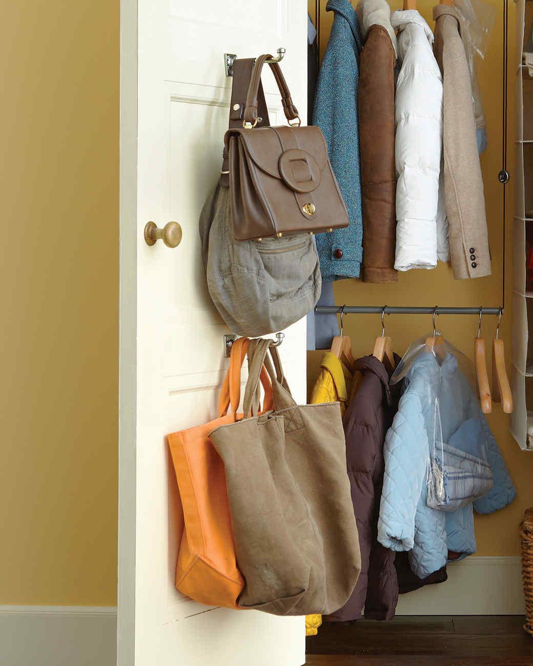 mld106363_1110_baggage.jpg