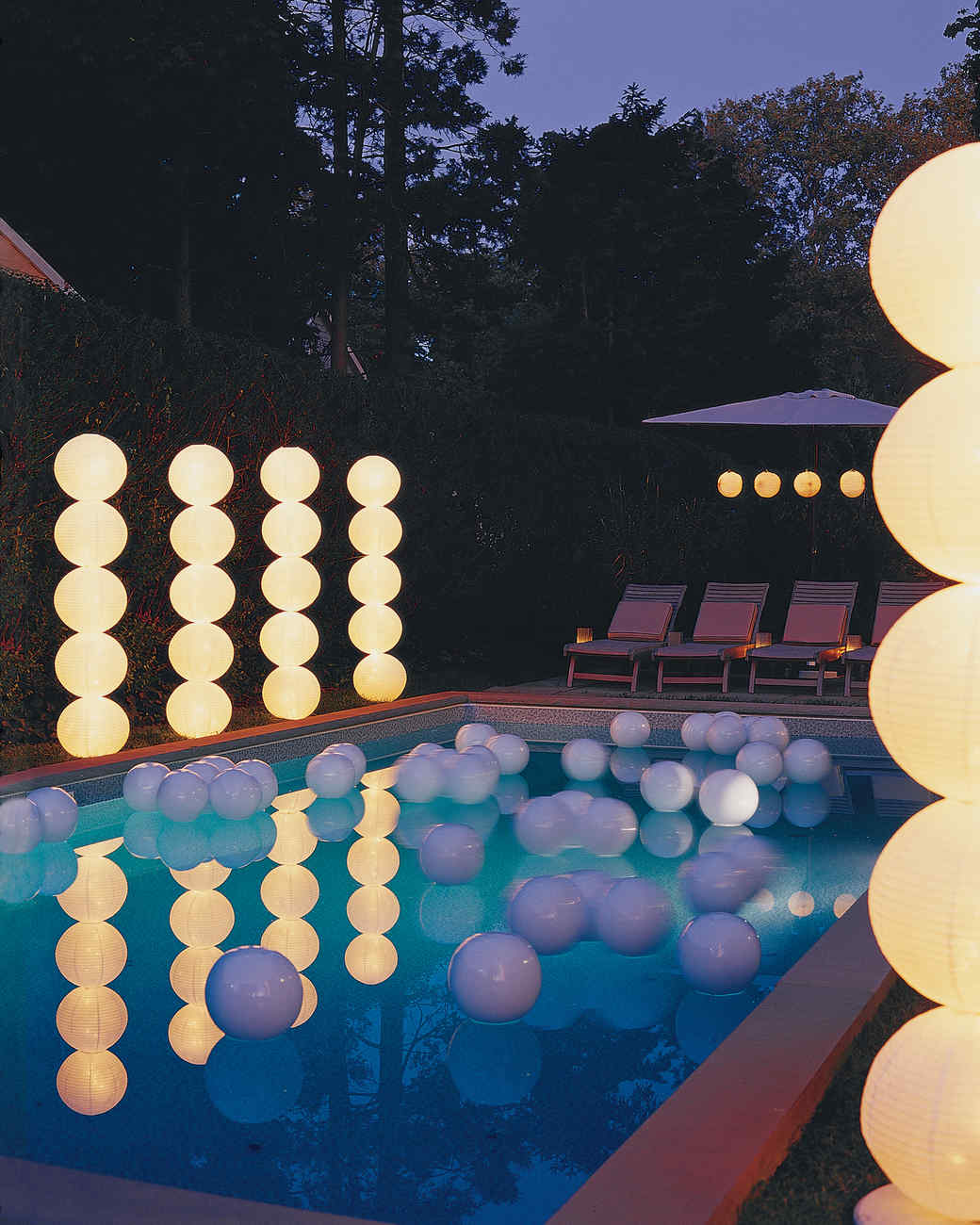 White paper lanterns with lights - Light Columns