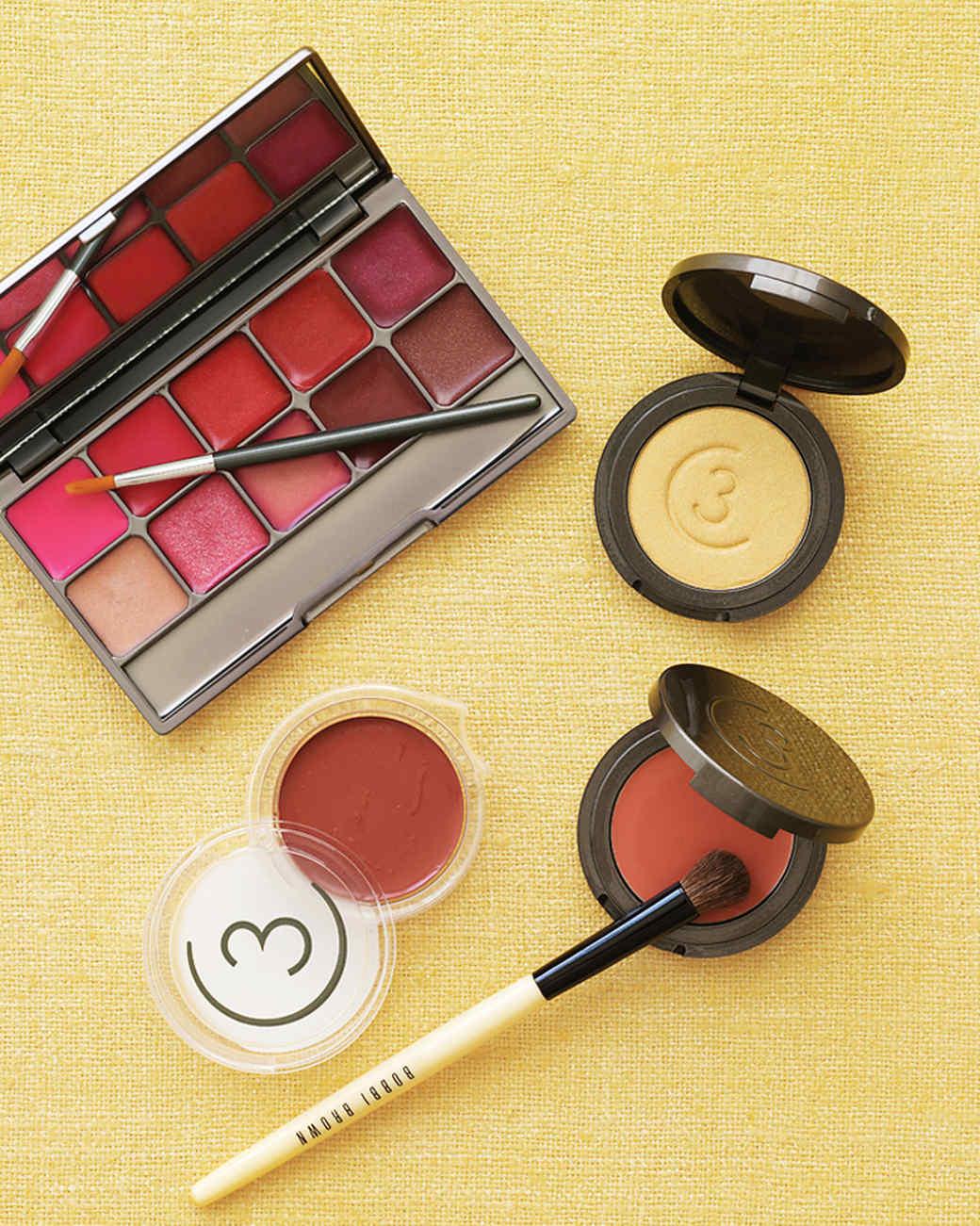 mwd104251_win09_makeup.jpg