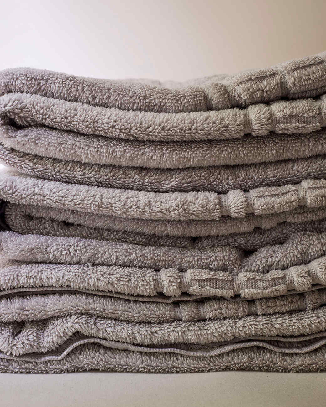 stacked-towels-d110733.jpg