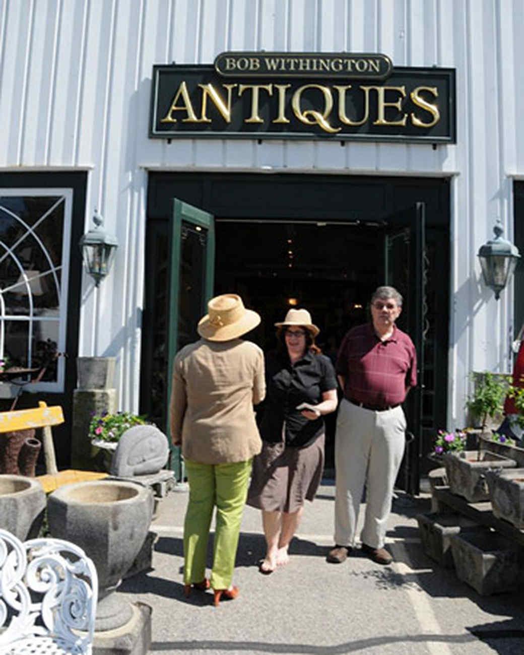 tv_marthablog_antiques.jpg