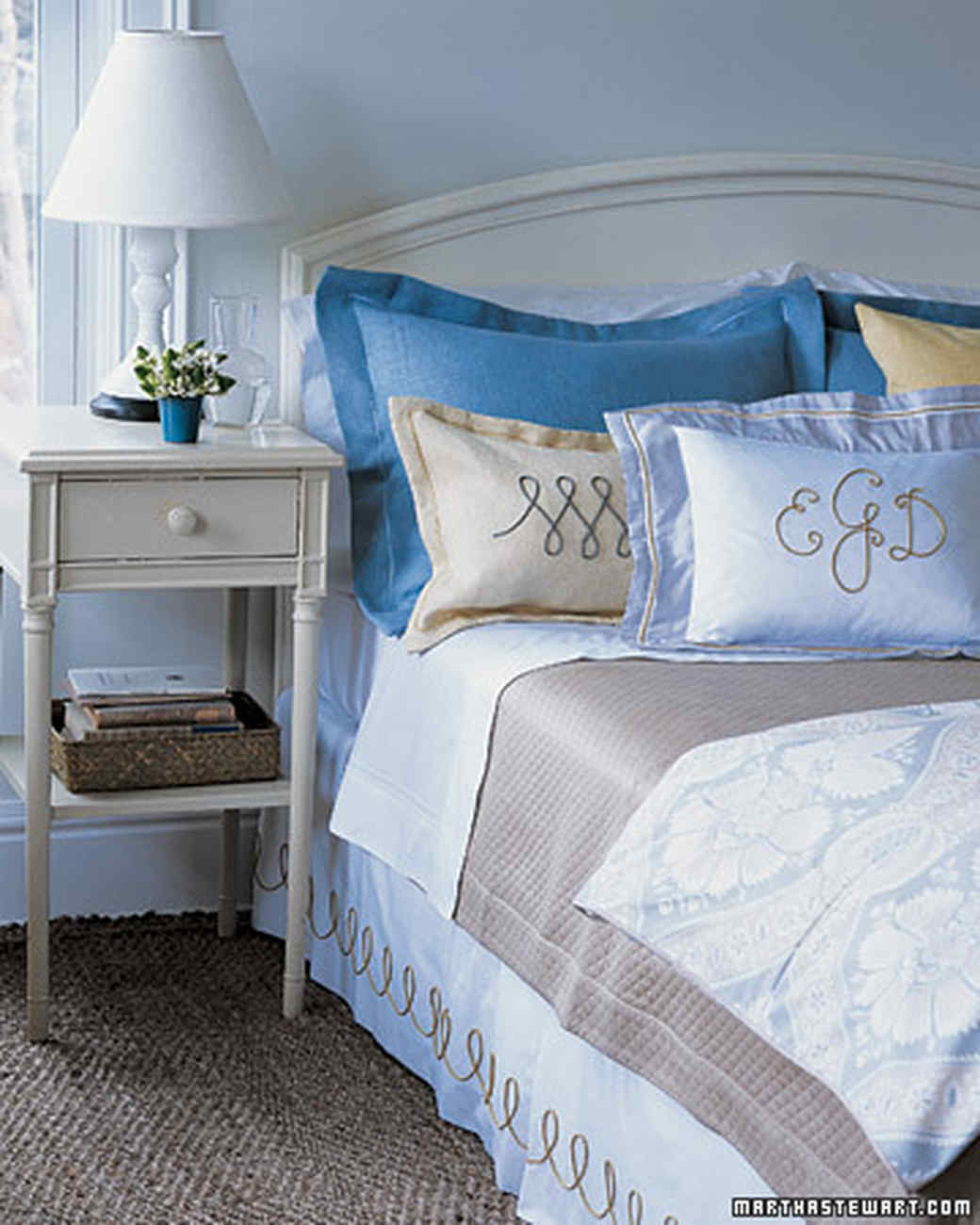 Bedroom Makeover Ideas: Bedroom Decorating Ideas