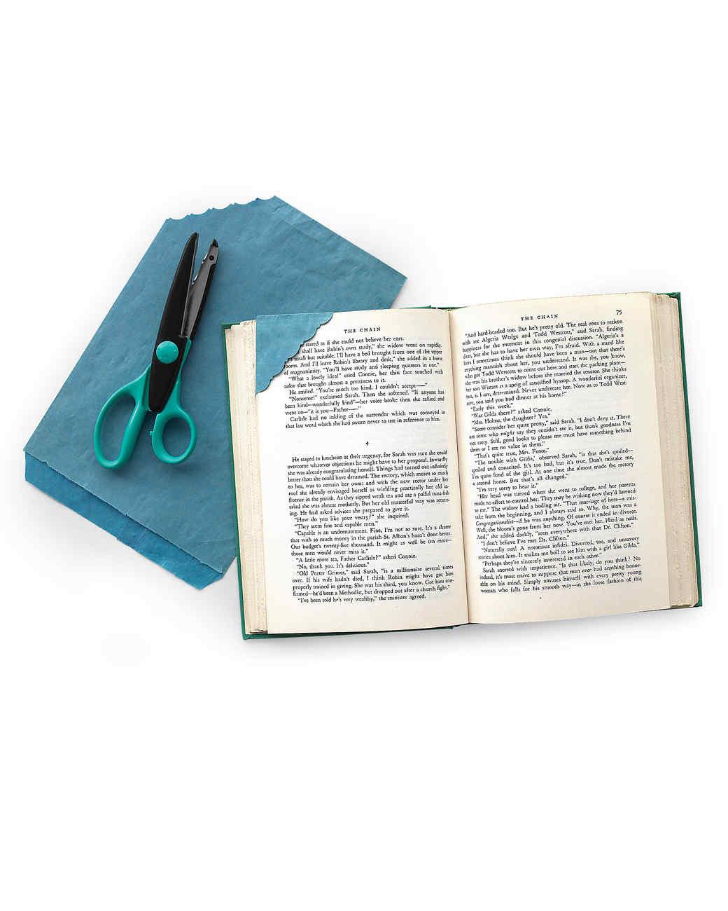mld104003_0309_bookshts.jpg