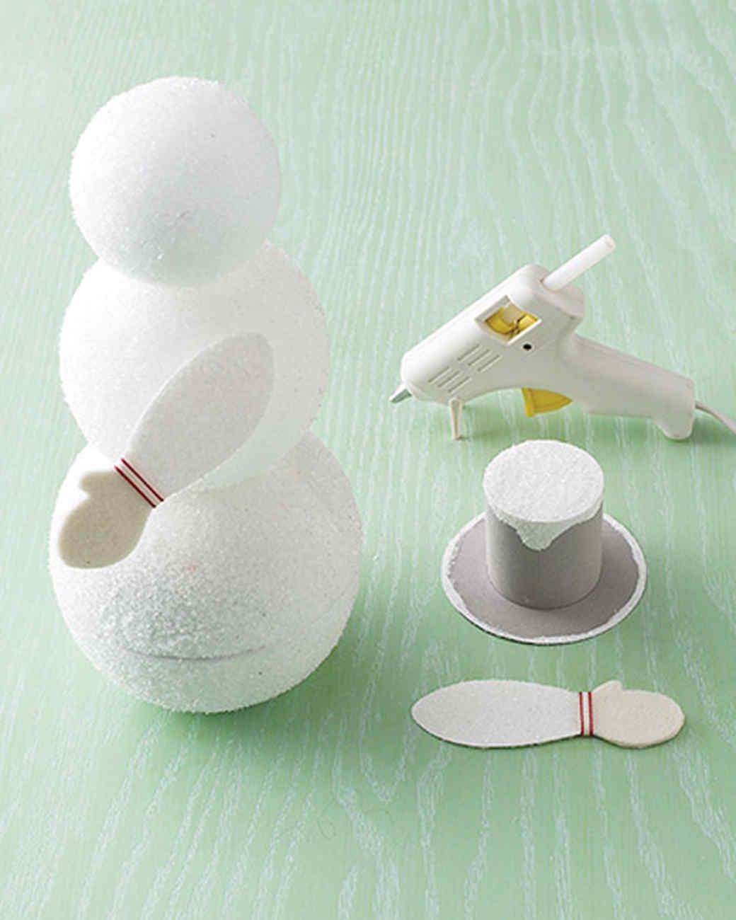 Снеговик из пенопласта своими руками