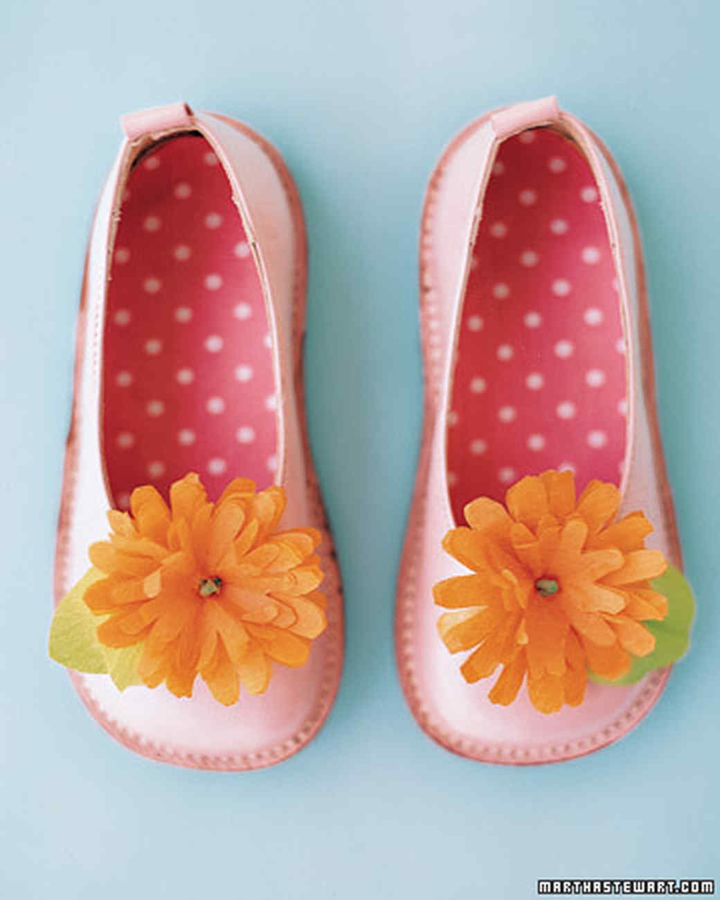 shoes essay Walk in my shoes empathy is defined as a way to intellectually or emotionally understand a person harper lee uses pathos to create empathy and evoke.
