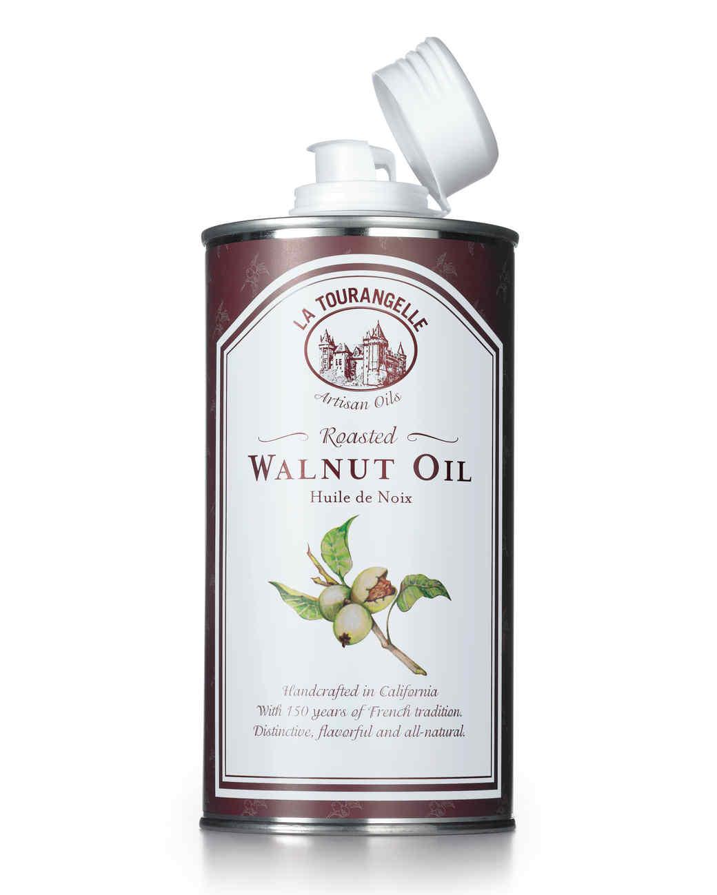 walnut-oil-020-md110599.jpg