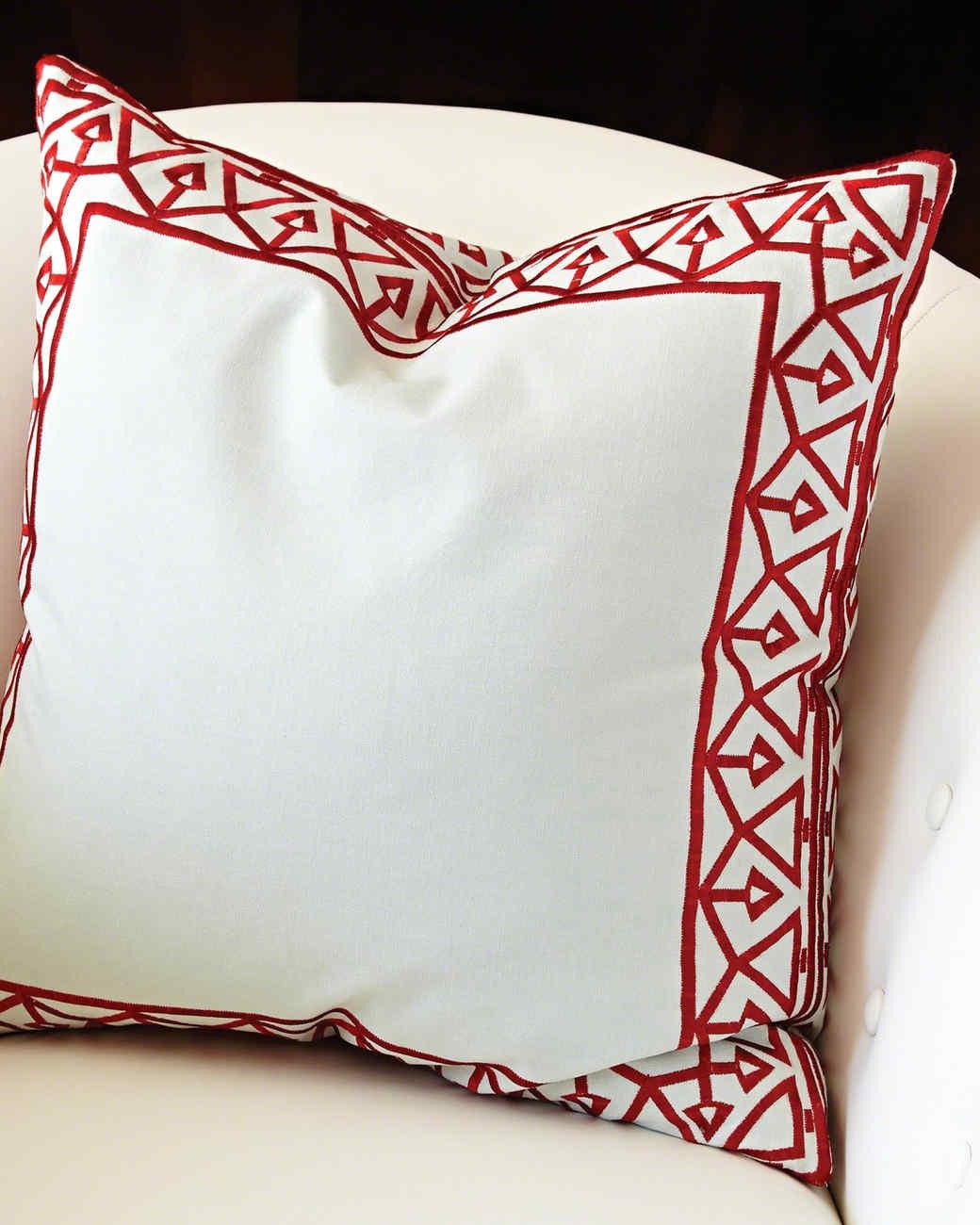 bezel-border-pillow-0415.jpg
