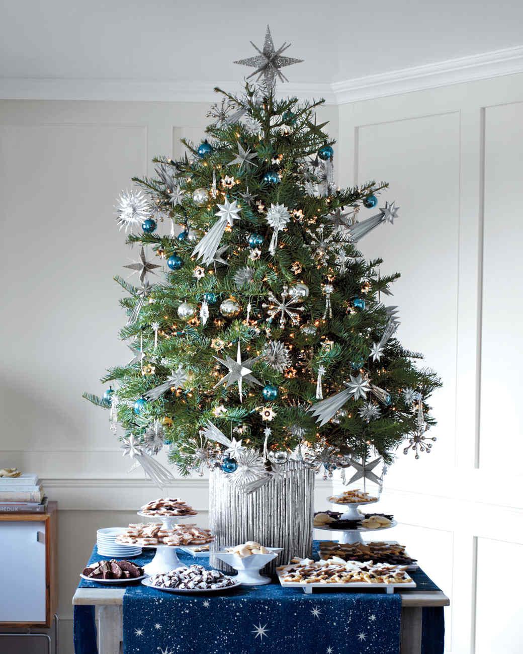christmas-tree-mld107727.jpg