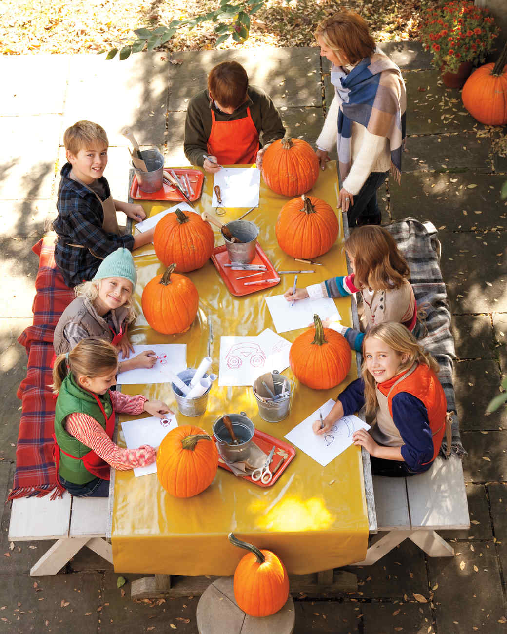 Party Pumpkin Ideas Video Choose a Carving Location