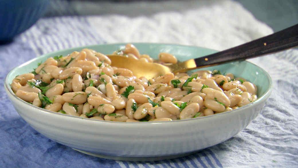 mh_1087_white_bean_salad.jpg