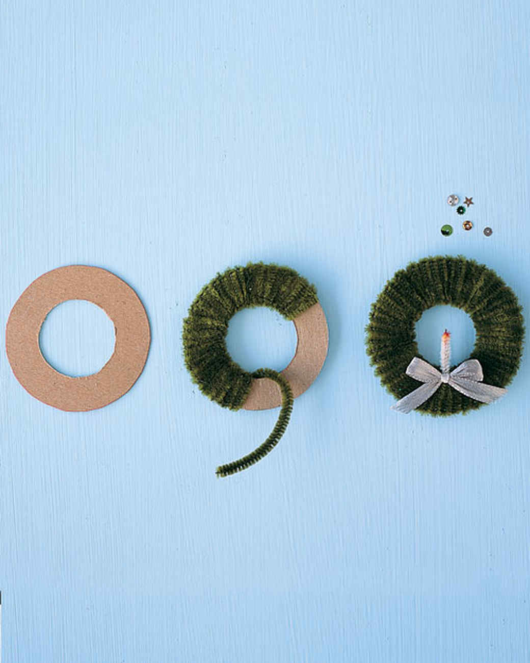 Easy Ornaments: Pipe-Cleaner Wreath
