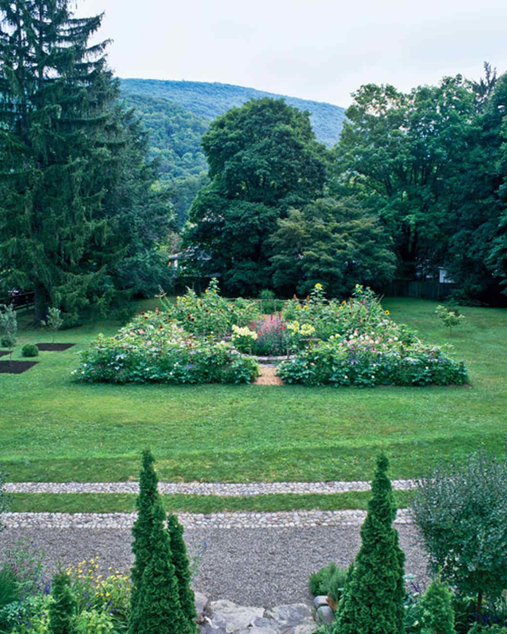 Garden Tour An Edible Landscape Martha Stewart