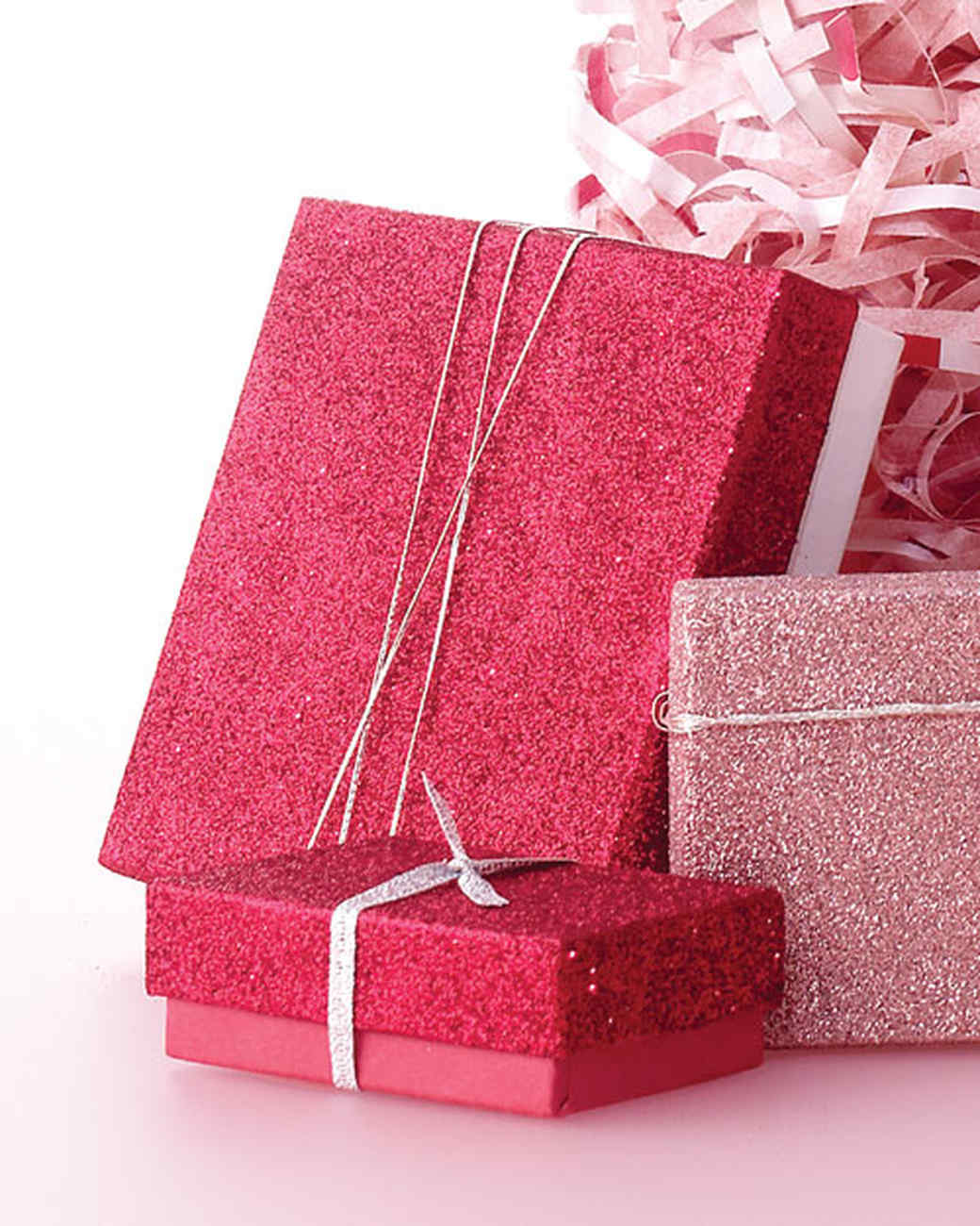 Christmas Gift Packing: Holiday Gift Boxes